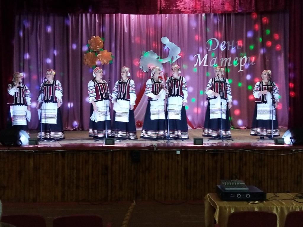 Отчетный концерт народного вокального ансамбля «Потуданочка».